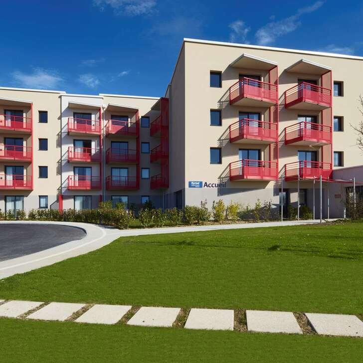 Parking Hôtel KYRIAD PRESTIGE RÉSIDENCE DIVES SUR MER (Extérieur) Dives-sur-Mer