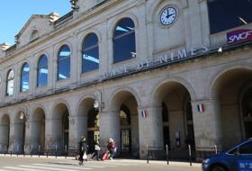 Gare de Nîmes car parks in Nîmes - Book at the best price