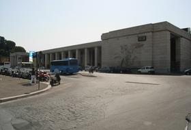 Parkings Gare de Rome Ostiense à Rome - Réservez au meilleur prix