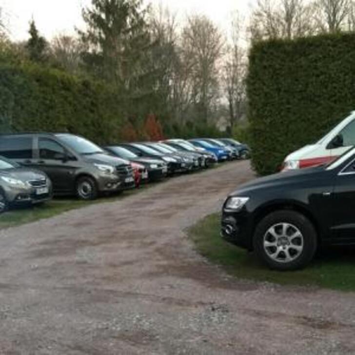 FLUGHAFENPARKPLATZ BACKHAUS Discount Parking (Exterieur) Schkeuditz