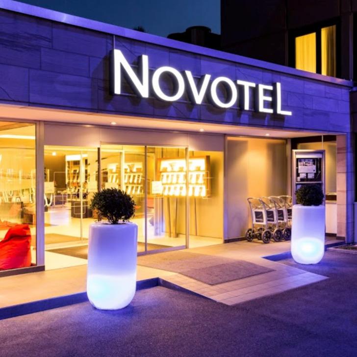 Estacionamento Hotel NOVOTEL NÜRNBERG AM MESSEZENTRUM (Exterior) Nürnberg