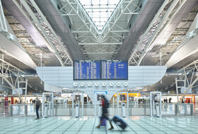 Parkhaus Der Flughafen Porto : Preise und Angebote - Parken am Flughafen | Onepark