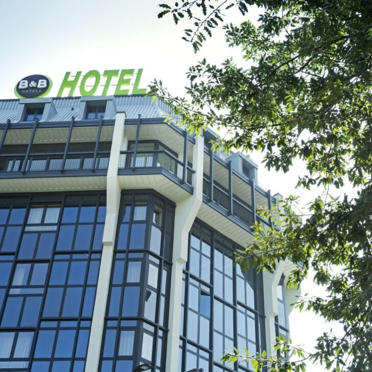B&B HOTEL MILANO SAN SIRO Hotel Parking (Overdekt) Milano