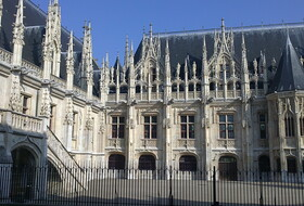 Palais de Justice car parks in Rouen - Book at the best price