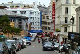 Parques de estacionamento Place Saint Pierre em Paris - Reserve ao melhor preço