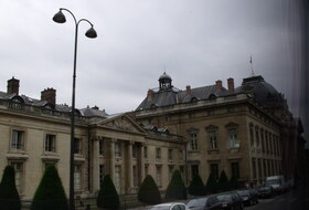 Parking Avenue de la Motte Picquet à Paris : tarifs et abonnements - Parking de centre-ville | Onepark