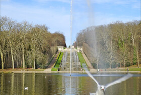 Avenue de Sceaux car parks in Versailles - Book at the best price