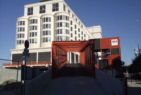 Parkeerplaatsen Quai du Lazaret in Marseille - Boek tegen de beste prijs