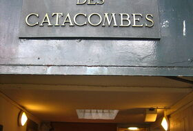 Les Catacombes car parks in Paris - Book at the best price
