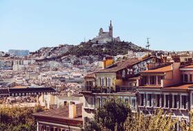 Parkeerplaatsen Tous les parkings à Marseille in  - Boek tegen de beste prijs