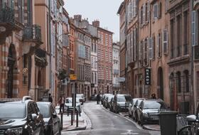 Parkeerplaatsen Tous les parkings à Toulouse in  - Boek tegen de beste prijs