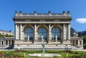 Palais Galliera car parks in  - Book at the best price