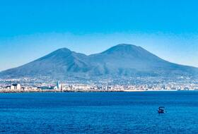 Naples : tous les parkings car parks in Napoli - Book at the best price