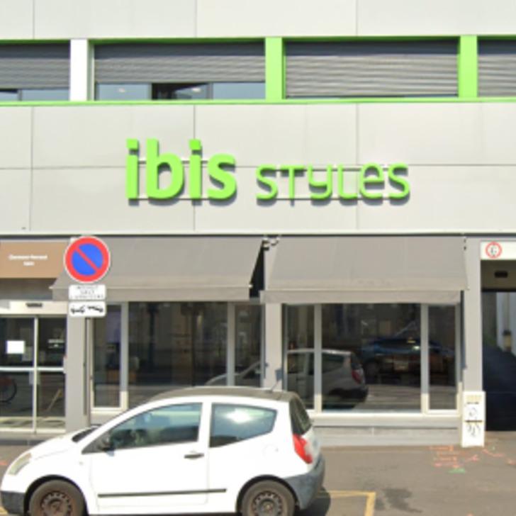 Parking Hôtel IBIS STYLES CLERMONT FERRAND GARE (Extérieur) Clermont-Ferrand