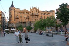 Parques de estacionamento Muralla sant domenec em Manresa - Reserve ao melhor preço