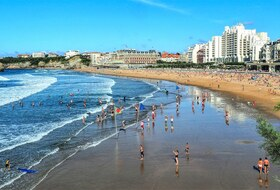 Grande Plage car parks in Biarritz - Book at the best price