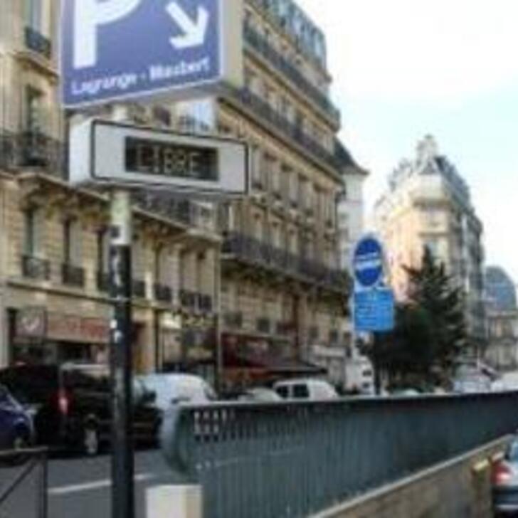 Parking Public SAEMES MAUBERT COLLÈGE DES BERNARDINS ABONNEMENT (Couvert) Paris
